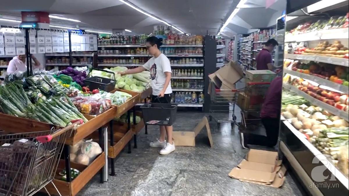 Thức ăn của Sếp không khác gì mọi người đó là các loại rau củ quả tươi trong siêu thị.