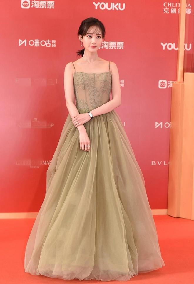 Thảm đỏ LHP quốc tế Thượng Hải: Chương Tử Di xinh đẹp tựa nữ hoàng, đọ sắc cùng hai mỹ nhân cảnh nóng Thư Kỳ và Thang Duy - ảnh 8