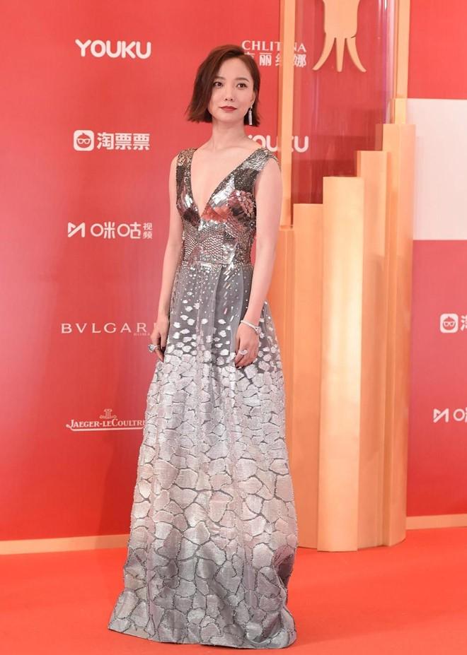 Thảm đỏ LHP quốc tế Thượng Hải: Chương Tử Di xinh đẹp tựa nữ hoàng, đọ sắc cùng hai mỹ nhân cảnh nóng Thư Kỳ và Thang Duy - ảnh 16