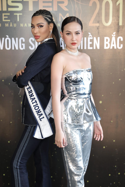 Từ trái sang, Quán quán Super Model International - Khả Trang, Miss Globe - Khánh Ngân