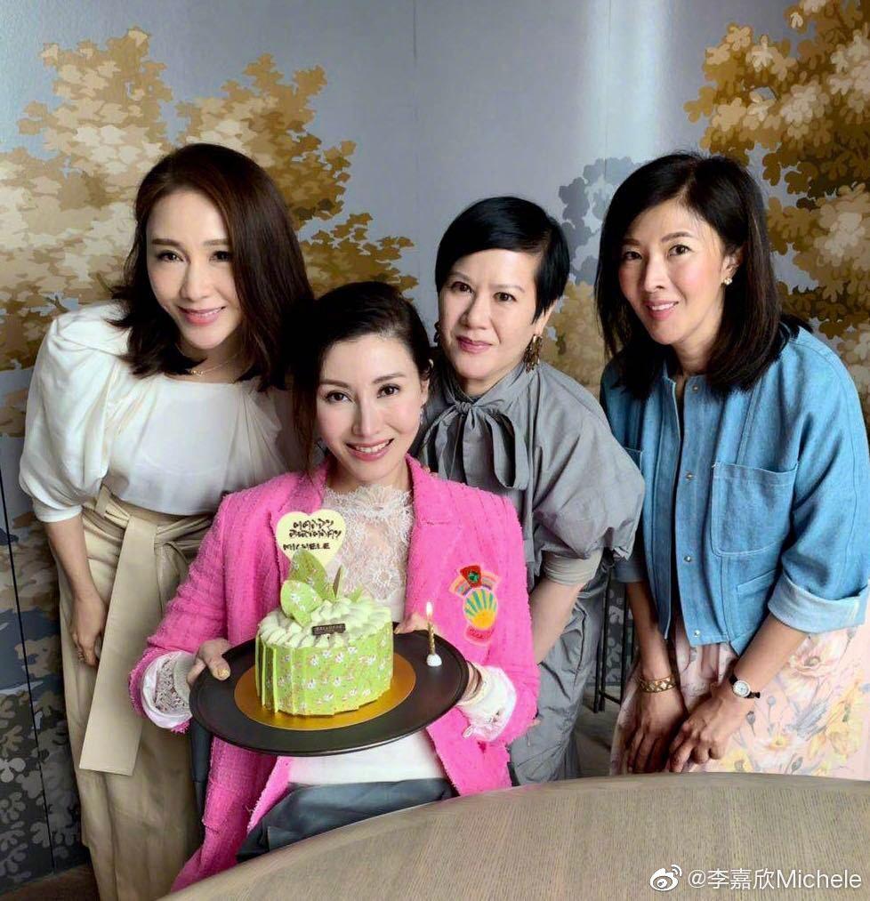 49 tuổi, Hoa hậu đẹp nhất Hong Kong Lý Gia Hân vẫn khiến mọi người ngưỡng mộ vì nhan sắc cực phẩm - Ảnh 5.