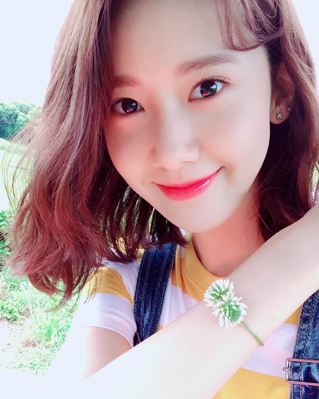 """Đẹp tự nhiên cỡ """"nữ thần"""" như Yoona cũng phải nghiêm túc chăm sóc da dẻ mỗi ngày với 4 tips sau - Ảnh 2."""