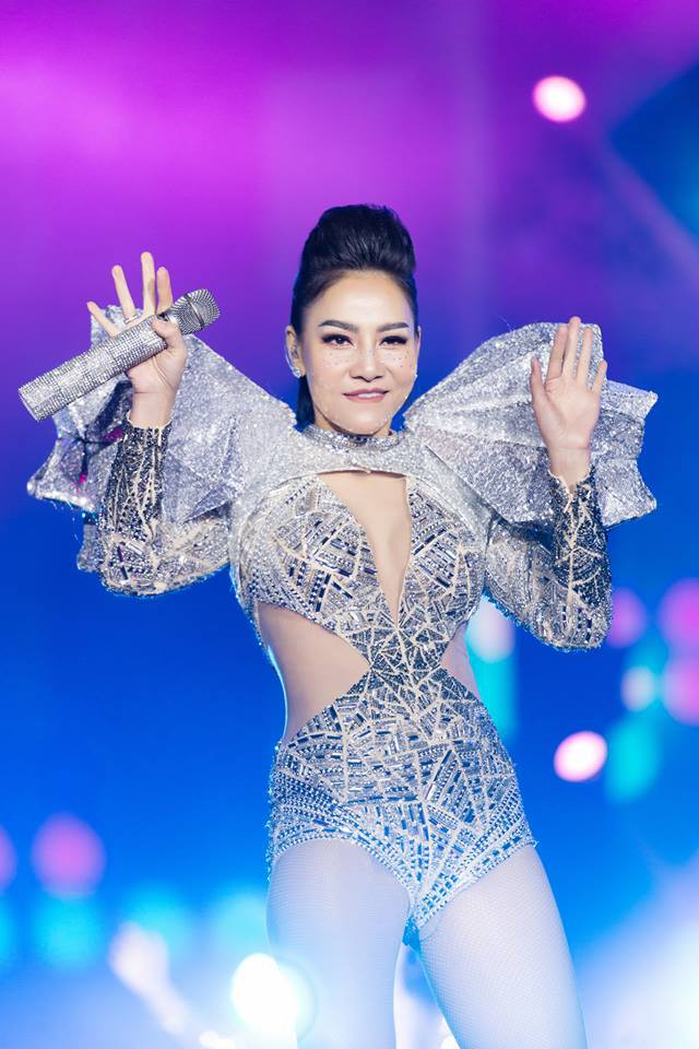 Bị fan Thu Minh tấn công Facebook giữa tâm bão danh xưng Diva, Tùng Dương đáp lại cực gắt  - Ảnh 3.