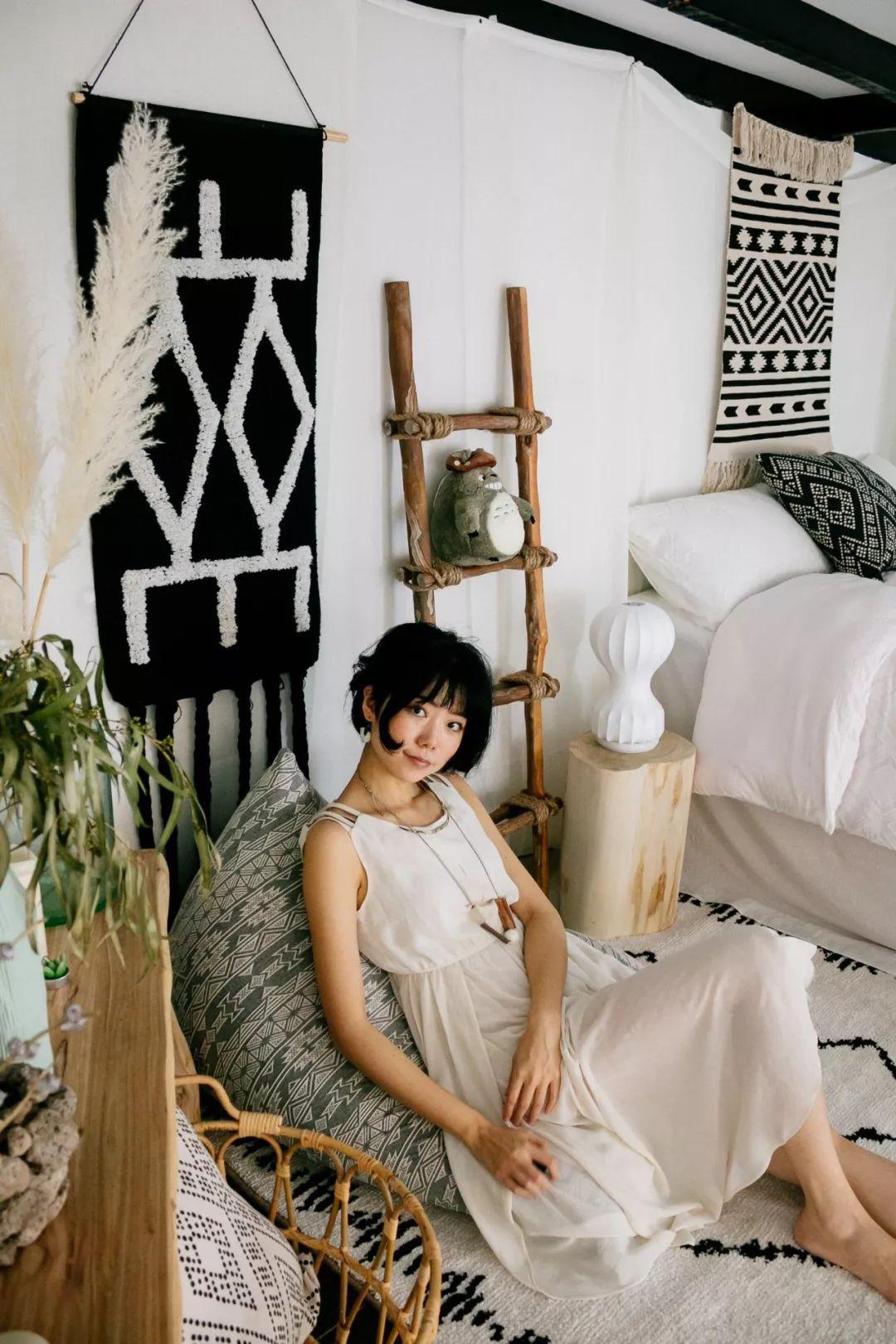Phòng ngủ 26m2 cũ kỹ, tẻ nhạt biến thành không gian sống đáng yêu theo phong cách Maroc của cô gái trẻ - Ảnh 2.