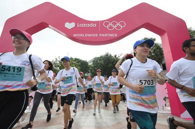 Lazada tổ chức Olympic Day Run, công bố là đối tác của Olympic trong 9 năm tới - Ảnh 1.