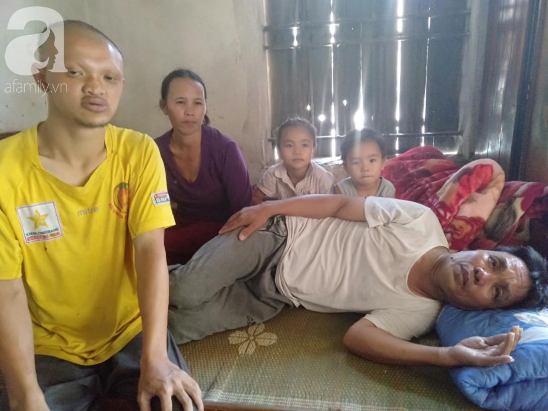Gánh nặng của người mẹ ghẻ chăm chồng tai biến, con riêng của chồng bệnh down cùng hai đứa con thơ dại - Ảnh 1.