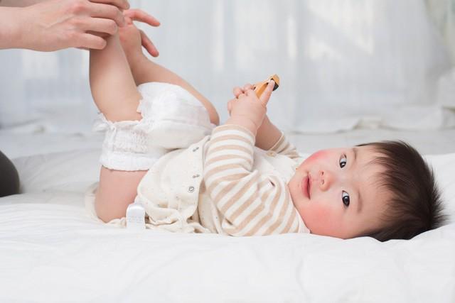 Bé 2 tuổi bị sùi mào gà, 4 tháng tuổi bị bệnh lậu... nguyên nhân do chính thói quen của người lớn vẫn chăm sóc bé hàng ngày - Ảnh 3.
