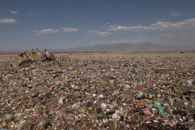 Phát hoảng trước những bãi rác chất cao như núi ở khắp nơi trên thế giới, có bãi rác cao hơn 65 mét, rộng hơn 40 sân bóng đá - Ảnh 10.