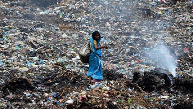 Phát hoảng trước những bãi rác chất cao như núi ở khắp nơi trên thế giới, có bãi rác cao hơn 65 mét, rộng hơn 40 sân bóng đá - Ảnh 2.