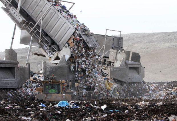 Phát hoảng trước những bãi rác chất cao như núi ở khắp nơi trên thế giới, có bãi rác cao hơn 65 mét, rộng hơn 40 sân bóng đá - Ảnh 3.