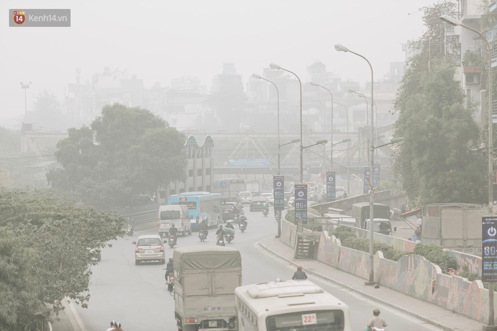 Những con số đáng báo động về thực trạng ô nhiễm không khí tại Hà Nội và TP Hồ Chí Minh - Ảnh 2.