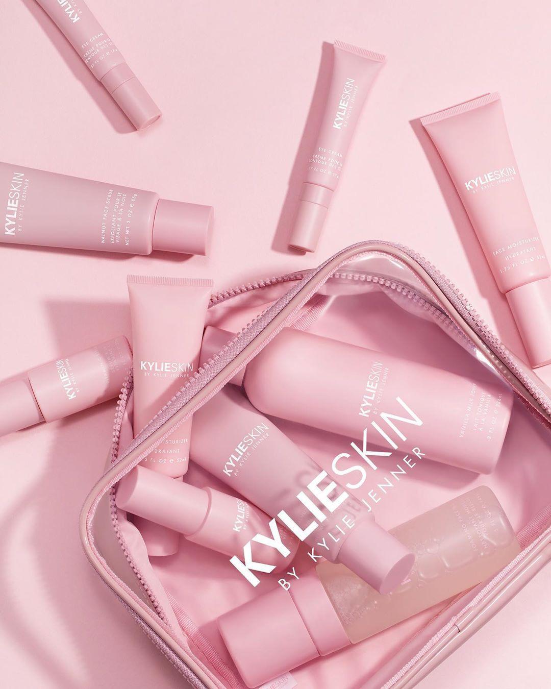 """Đáng bị """"ném đá"""" nhất về bộ skincare của Kylie Jenner chính là sự thiếu vắng khó hiểu của kem chống nắng - Ảnh 3."""