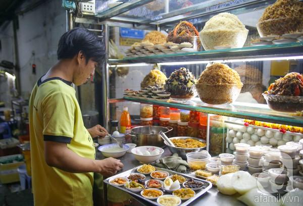 Quán cháo Hàng Xanh nổi tiếng Sài Gòn.
