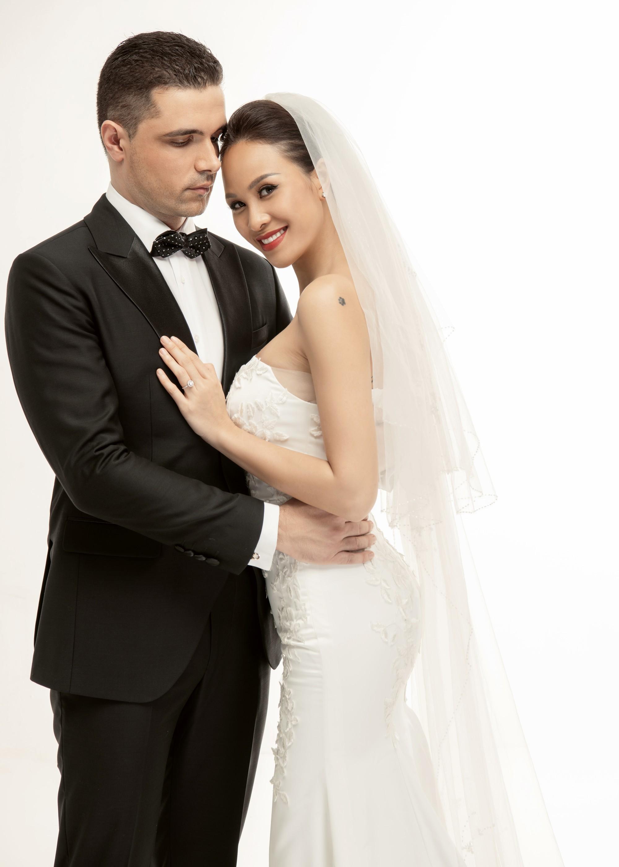 Trọn bộ ảnh cưới ngọt ngào đến tan chảy của Phương Mai và chồng Tây đẹp trai như tài tử - Ảnh 4.