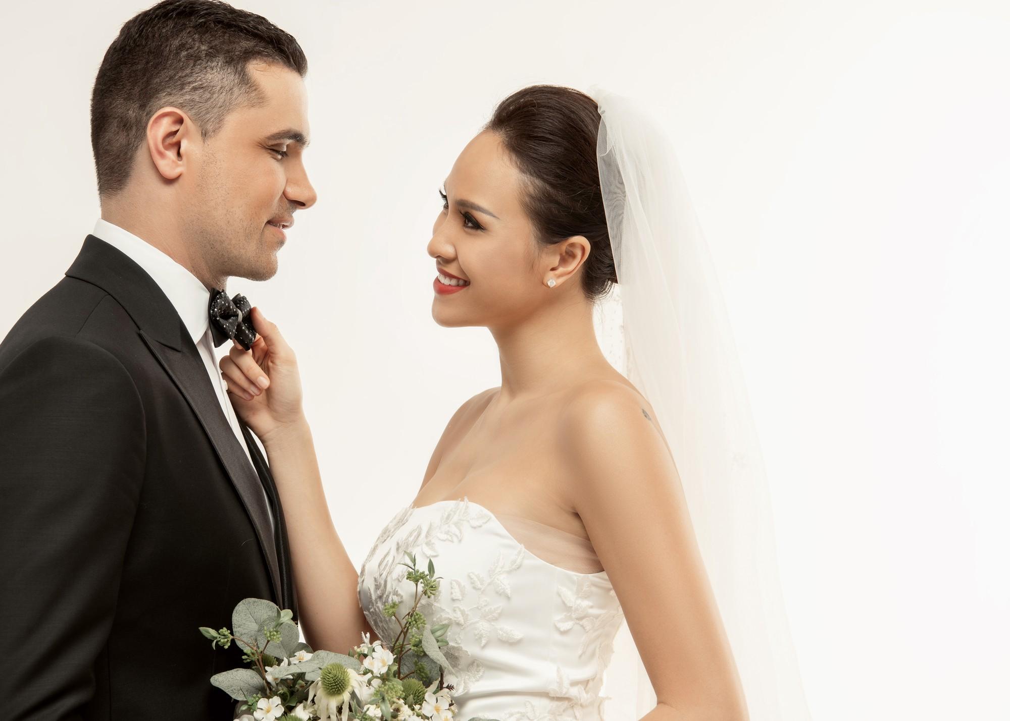 Trọn bộ ảnh cưới ngọt ngào đến tan chảy của Phương Mai và chồng Tây đẹp trai như tài tử - Ảnh 8.