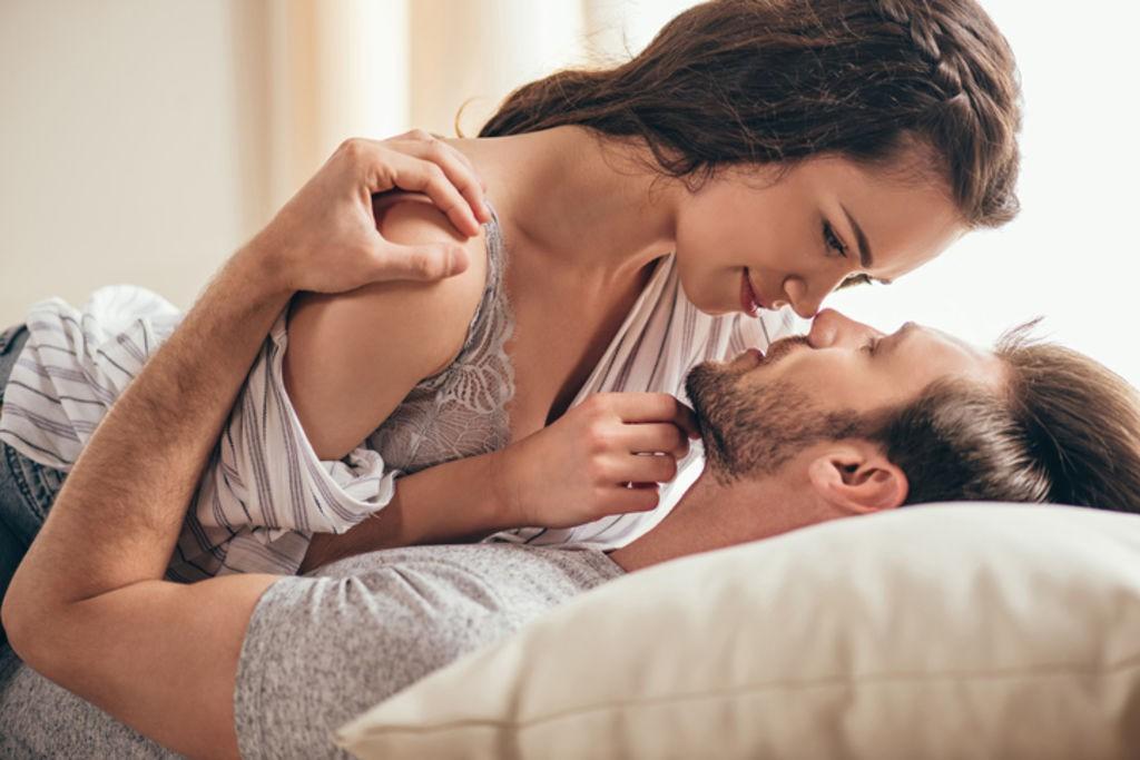 """Muốn biết chồng có """"ăn vụng"""" hay không cứ để anh ta """"lên giường"""" sẽ rõ - Ảnh 2."""