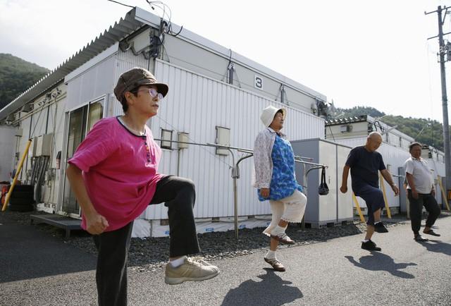 Học người Nhật cách chăm sóc sức khỏe xương khớp ở người cao tuổi - Ảnh 2.