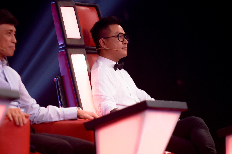 The Voice: Khán giả rối não với chiêu trò của Hồ Hoài Anh, Thanh Hà bật khóc trên ghế nóng  - Ảnh 3.