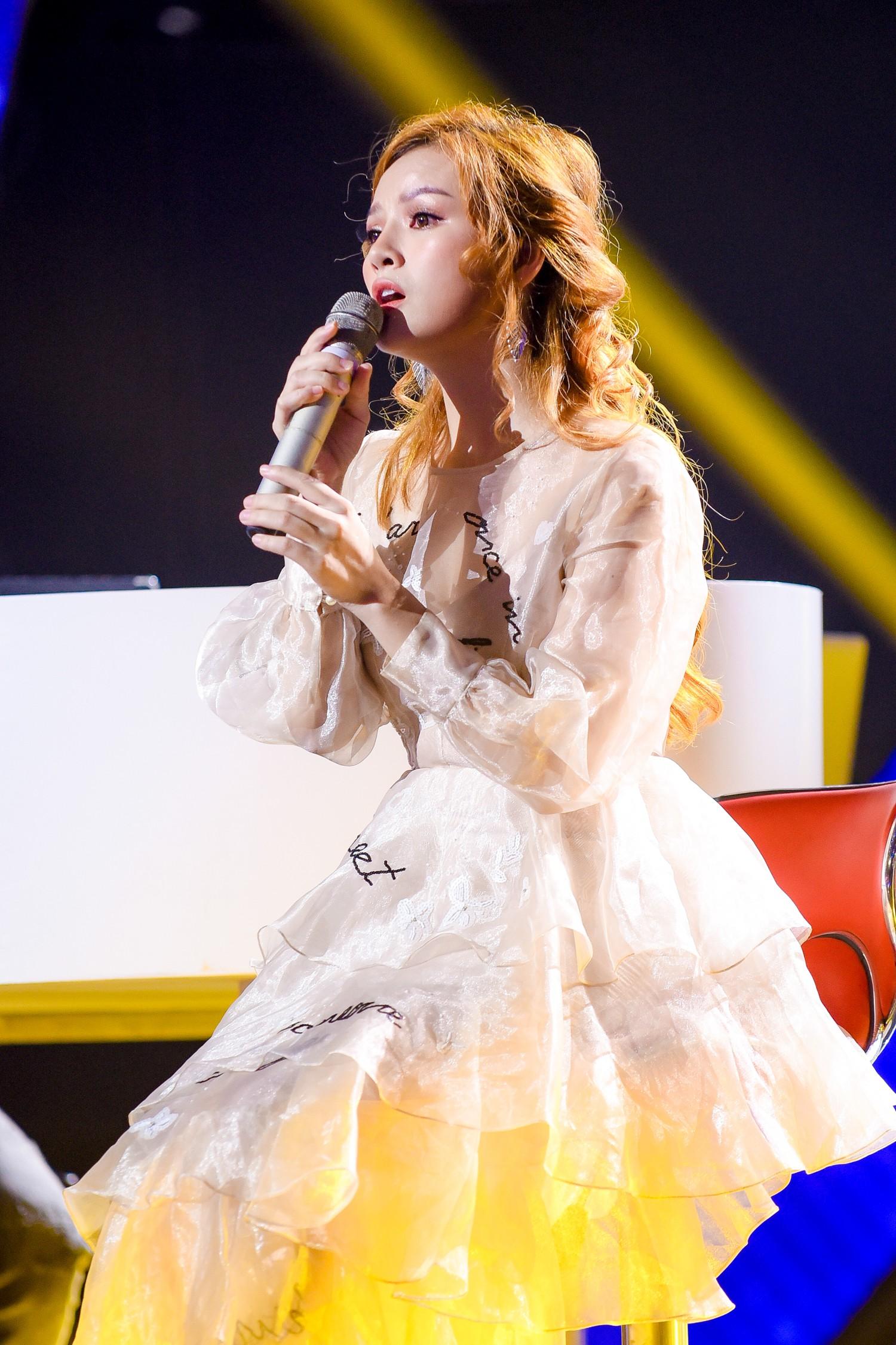 The Voice: Khán giả rối não với chiêu trò của Hồ Hoài Anh, Thanh Hà bật khóc trên ghế nóng  - Ảnh 4.