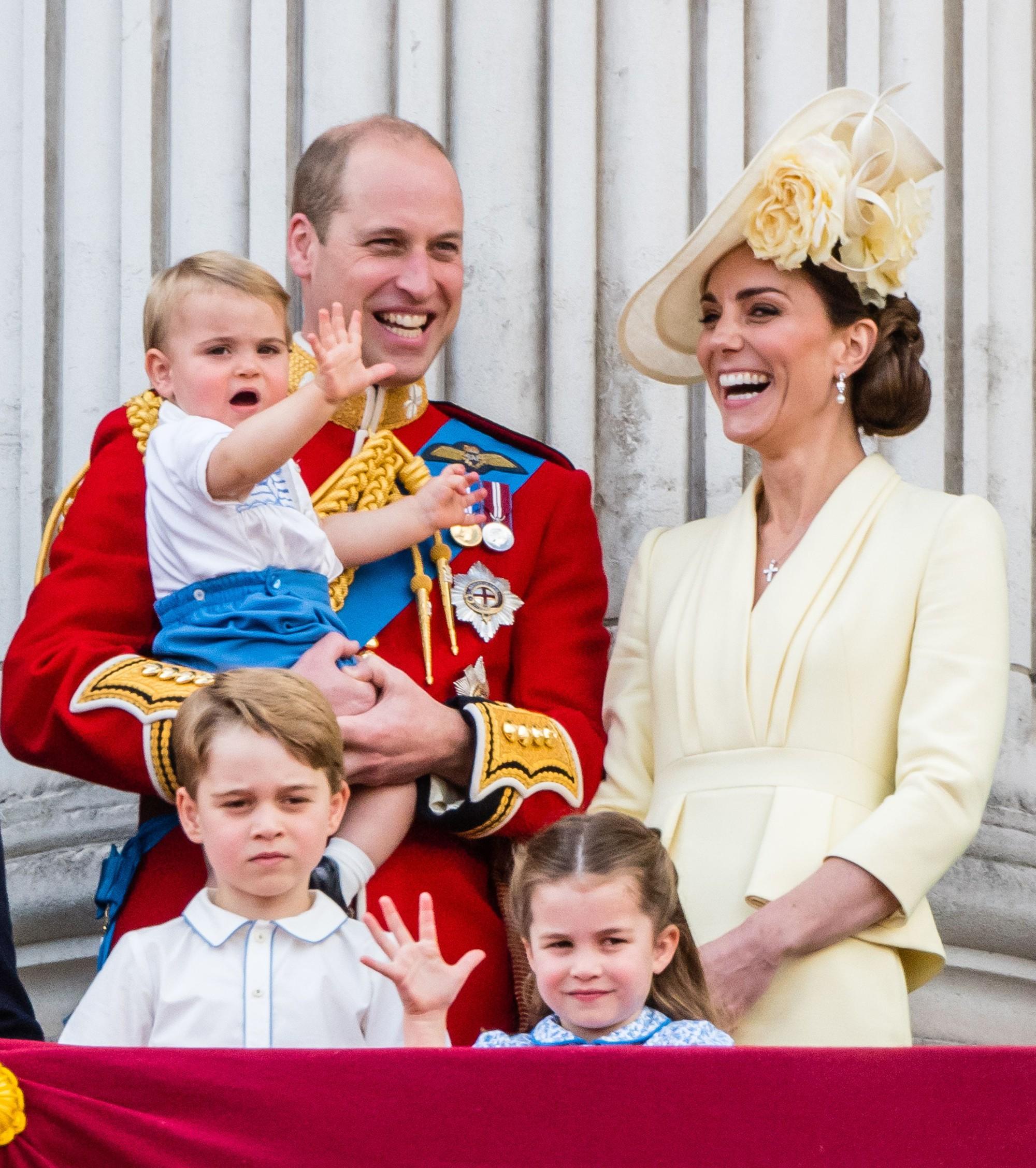 """""""Tình địch"""" của Công nương Kate lộ dấu hiệu bất thường, đe dọa đến hạnh phúc gia đình của nàng dâu hoàng gia - Ảnh 3."""