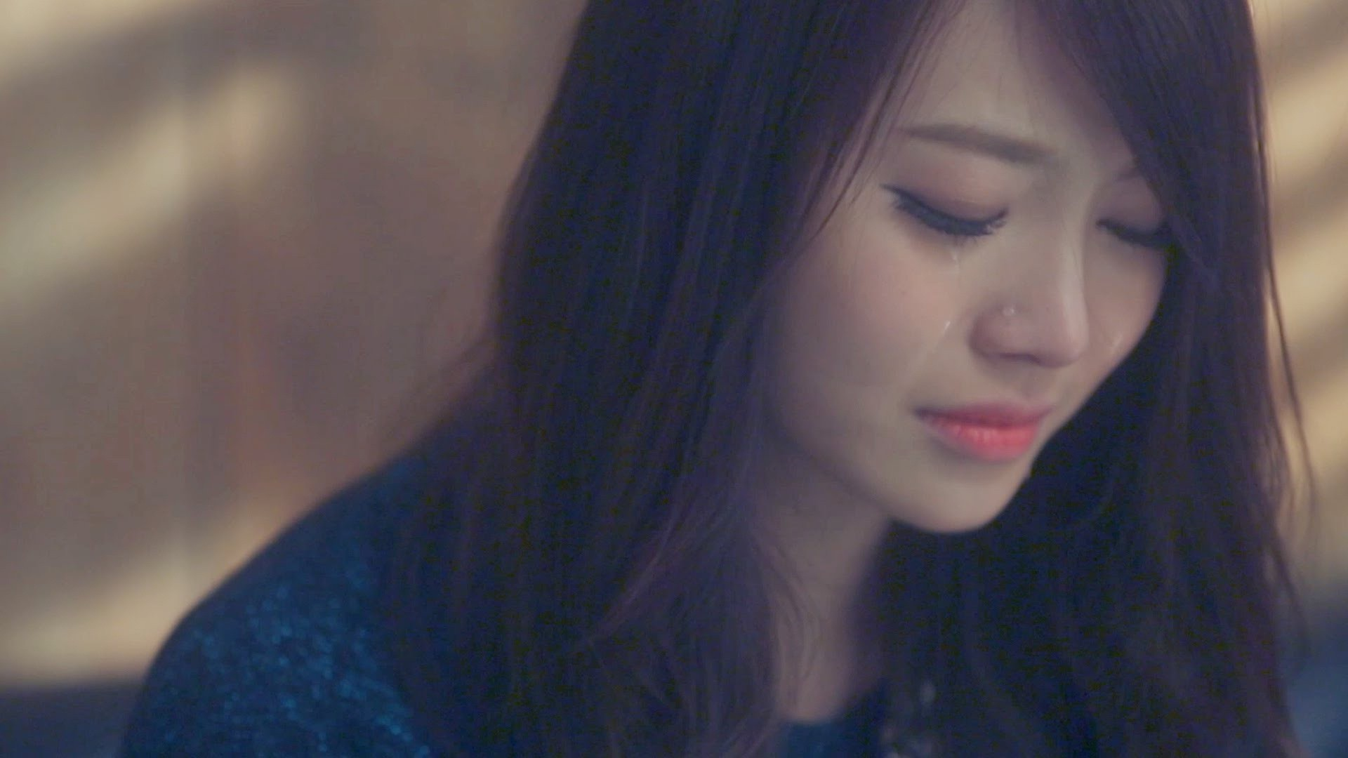 45187996-crying-girl-images
