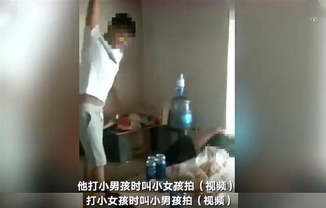 Phẫn nộ với đoạn video người đàn ông đánh hai đứa con thừa sống thiếu chết với lý do không thể tin nổi - Ảnh 3.