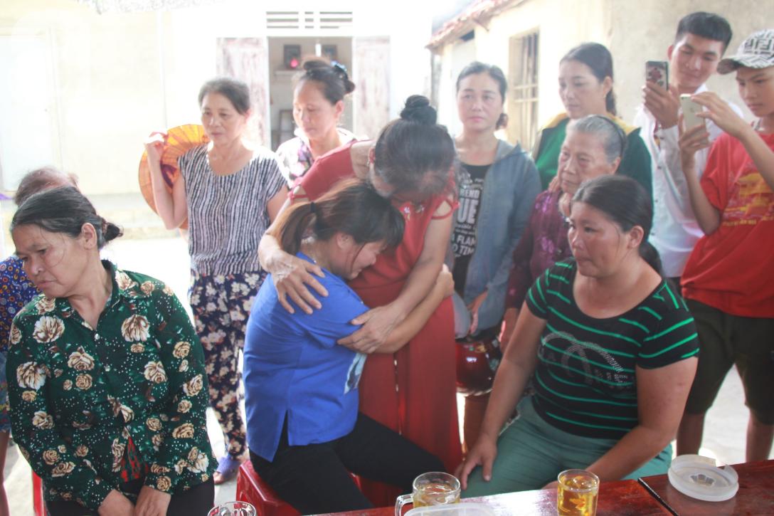 Nước mắt ngày trở về của người phụ nữ sau 24 năm bị lừa bán làm vợ ở Trung Quốc: Mẹ ơi, con về rồi, về thật rồi! - Ảnh 4.