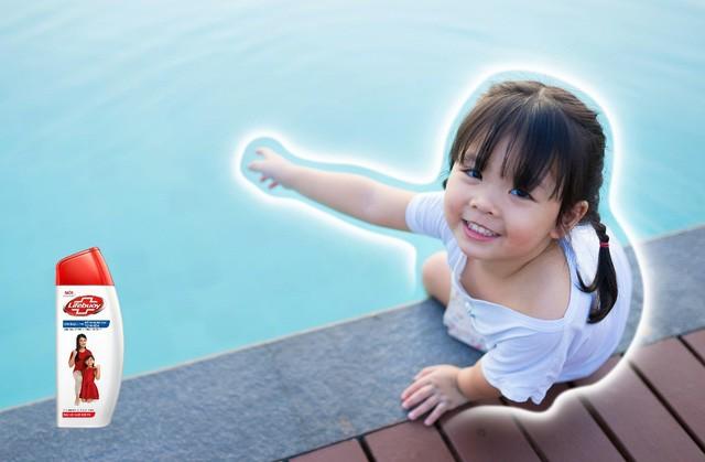 Khẩn cấp đảm bảo an toàn cho con trong mùa hè vô vàn rủi ro - Ảnh 2.