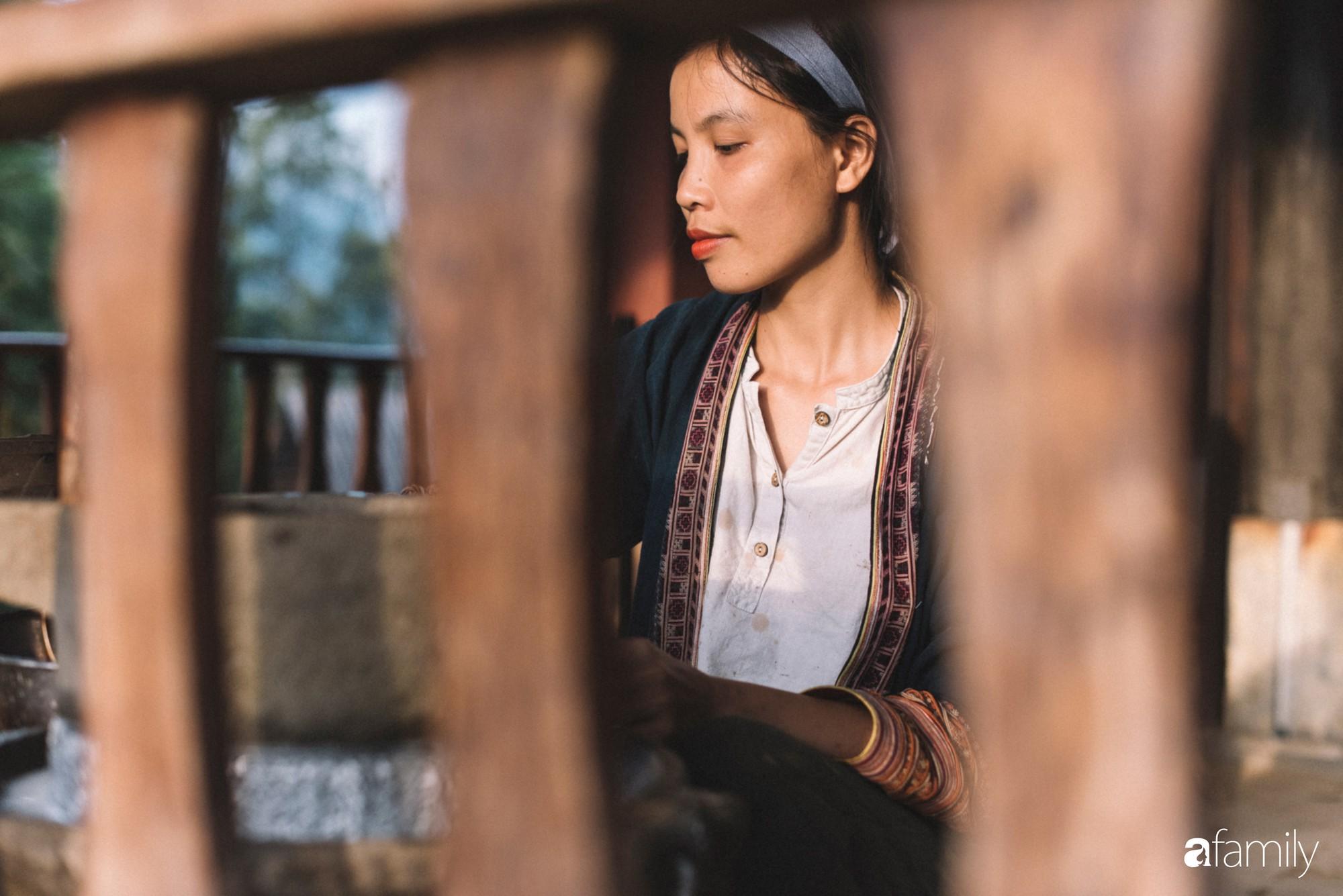 Cô designer bỏ Hà Nội lên rừng ẩn cư, ăn chay, lưu giữ thanh xuân rực rỡ qua những clip mỹ thực vạn người mê - Ảnh 28.