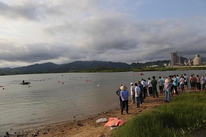 Tắm sông cùng bố ở Quảng Ninh, bé trai 12 tuổi chết đuối - Ảnh 1.