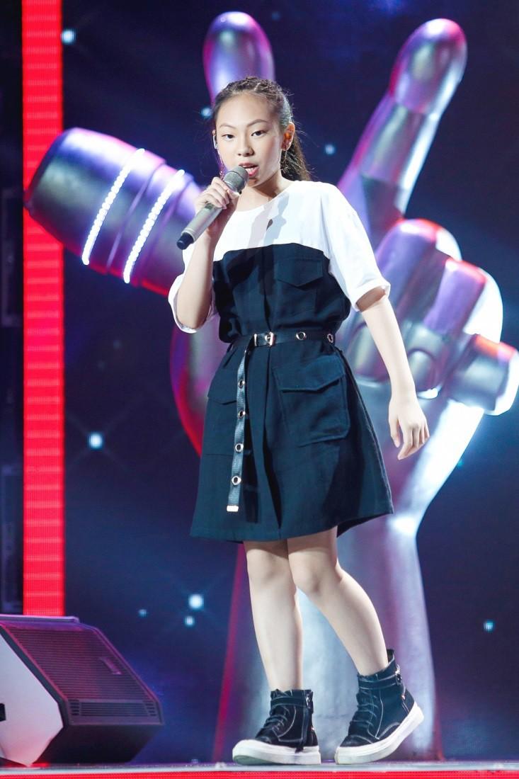 """Hoa hậu Hương Giang khẩu chiến với đàn chị trên ghế nóng The Voice Kids, chưa bao giờ nàng Hoa hậu """"dữ dằn"""" đến thế - Ảnh 17."""