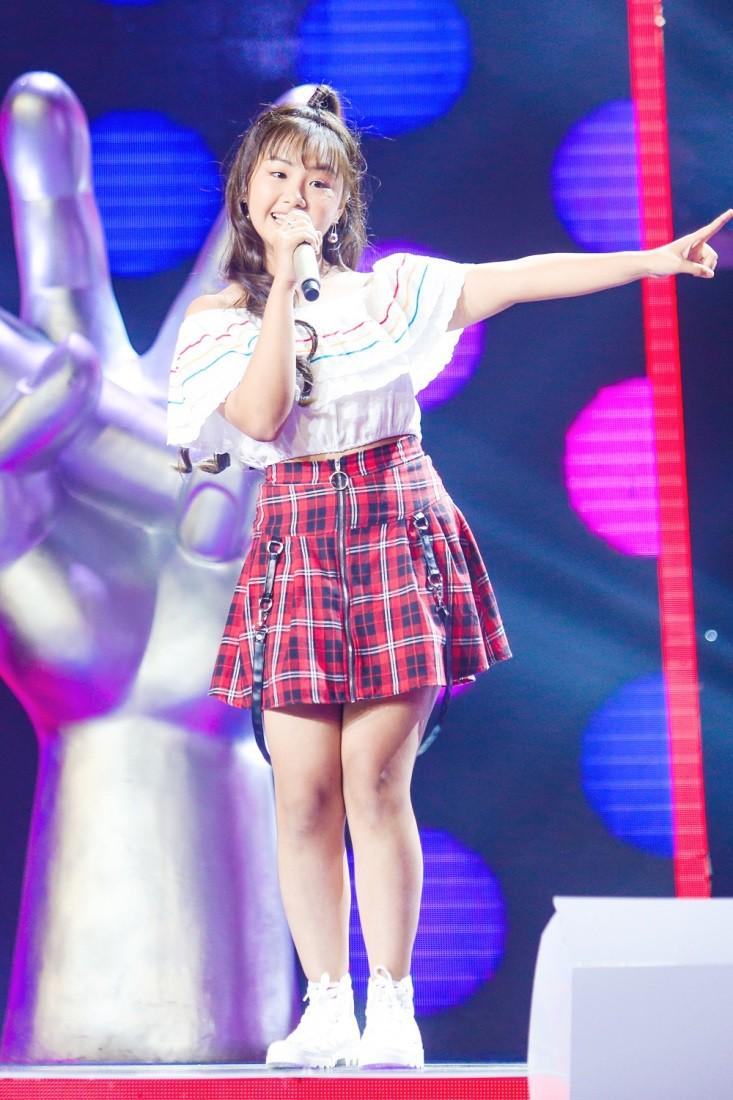 """Hoa hậu Hương Giang khẩu chiến với đàn chị trên ghế nóng The Voice Kids, chưa bao giờ nàng Hoa hậu """"dữ dằn"""" đến thế - Ảnh 8."""
