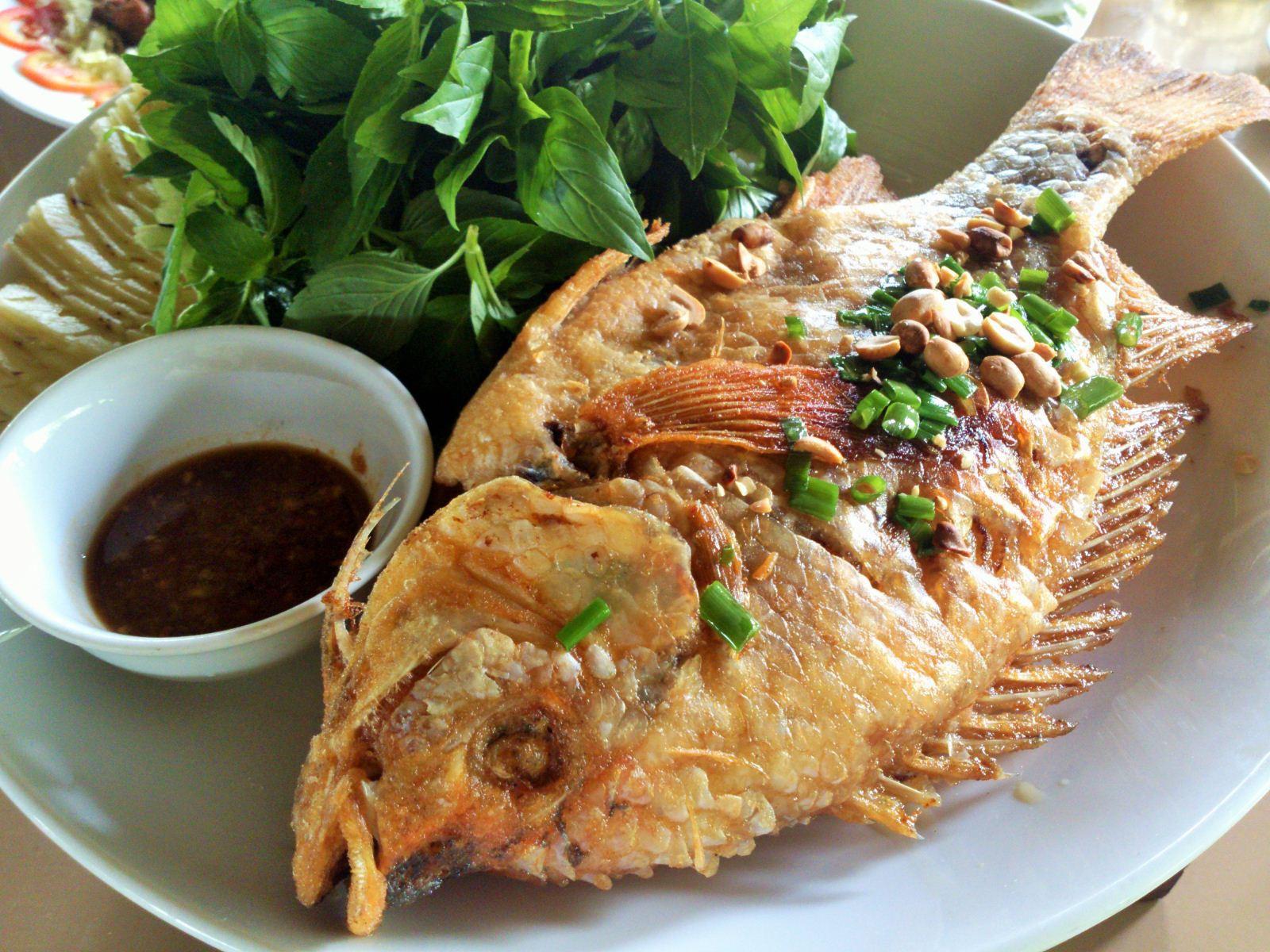 Chuyên gia chỉ cách làm món cá rán 'cực phẩm', giữ trọn vẹn dinh dưỡng lại tránh được ung thư - Ảnh 1.