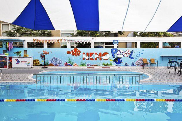 Top những bể bơi nước mặn ở Hà Nội mà bạn và gia đình không thể bỏ qua hè này - Ảnh 1.