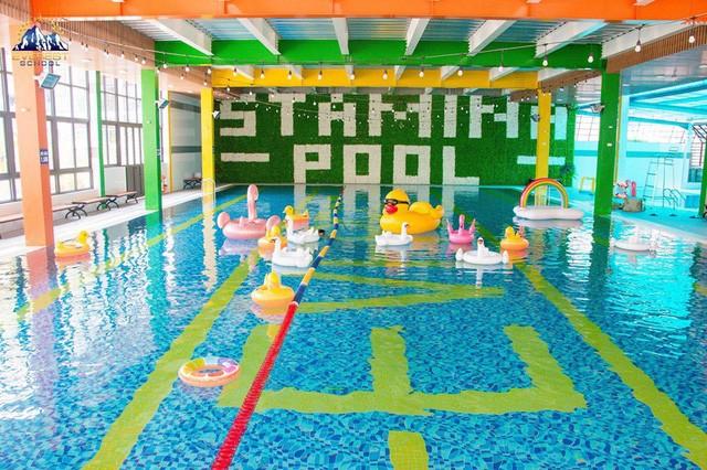 Top những bể bơi nước mặn ở Hà Nội mà bạn và gia đình không thể bỏ qua hè này - Ảnh 2.
