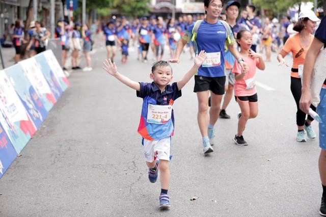 Sôi động giải chạy Gắn kết gia đình - MB Family Fun Run 2019 - Ảnh 3.