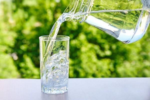 Uống những loại nước này vào buổi sáng hại sức khỏe khủng khiếp - Ảnh 1.
