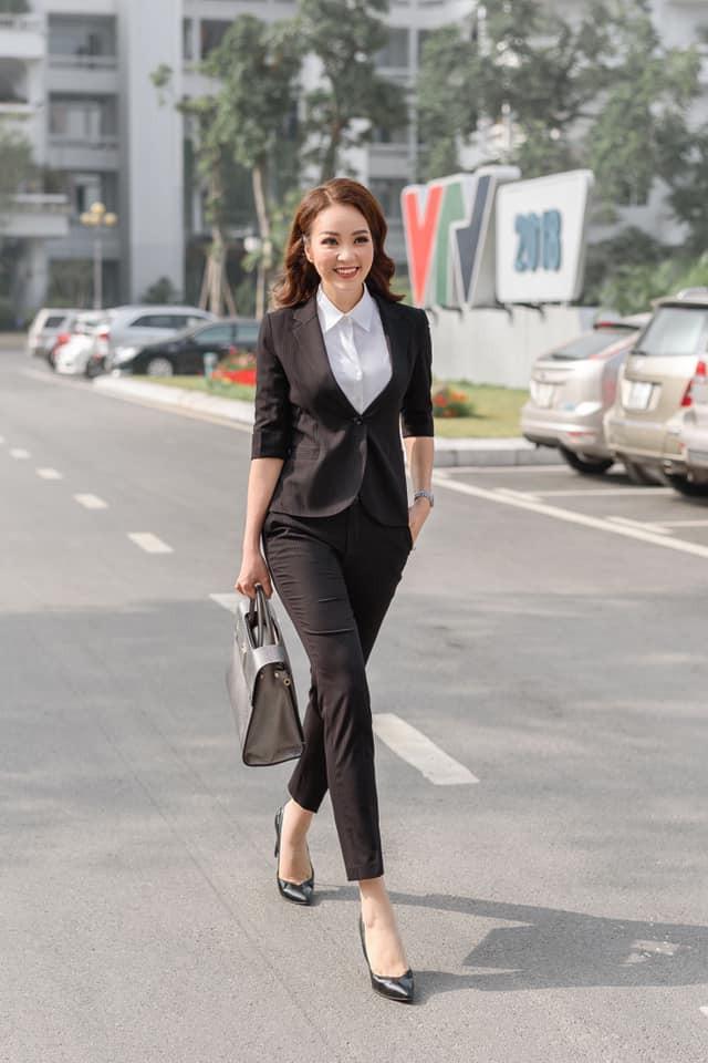 Bật mí thương hiệu thời trang Việt khiến Quỳnh búp bê, Á hậu Thuỵ Vân, Đan Lê trong Về nhà đi con chết mê chết mệt  - Ảnh 1.