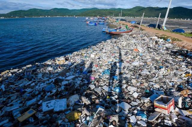 Sống với rác cũng thành quen, nhưng đừng quên, chúng ta còn những lựa chọn tốt hơn - Ảnh 2.