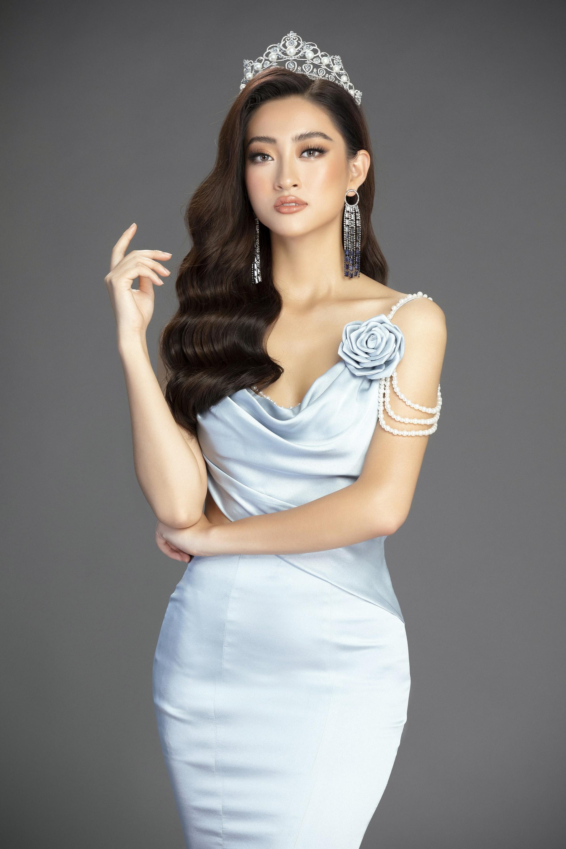 Hoa hau Luong Thuy Linh (9)