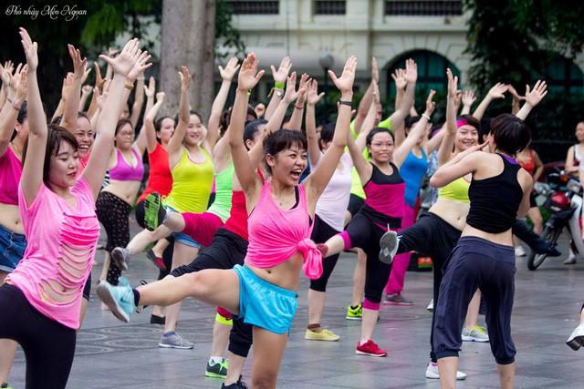 Điểm danh những bữa tiệc nhảy siêu to khổng lồ thu hút hàng nghìn người của Lamita Dance Fitness - Ảnh 4.