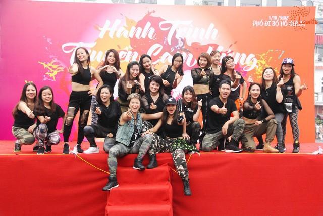 Điểm danh những bữa tiệc nhảy siêu to khổng lồ thu hút hàng nghìn người của Lamita Dance Fitness - Ảnh 6.