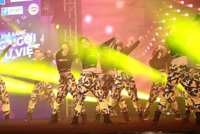 Điểm danh những bữa tiệc nhảy siêu to khổng lồ thu hút hàng nghìn người của Lamita Dance Fitness - Ảnh 8.