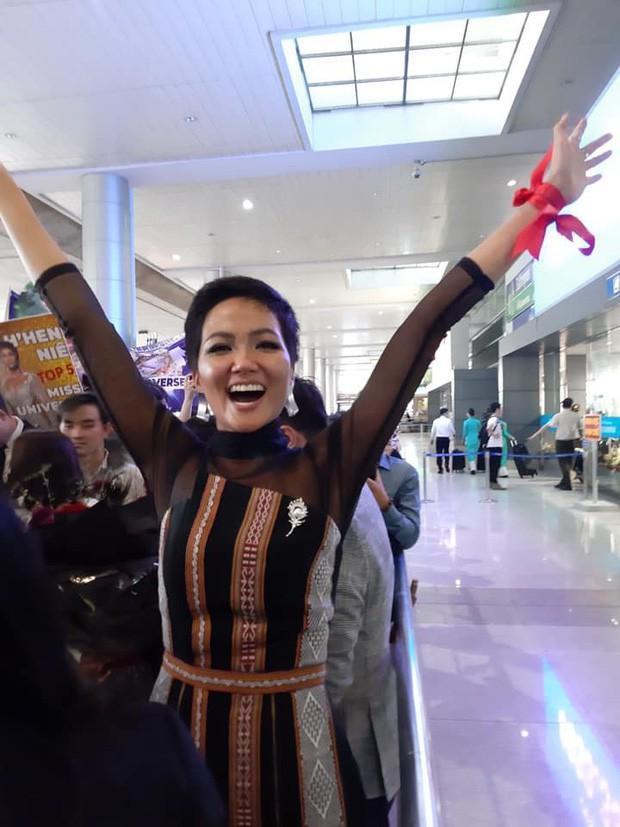 Hoa hậu nào cũng đua tranh váy áo đẳng cấp, riêng HHen Niê lại tôn vinh cội rễ bản thân bằng thời trang - Ảnh 12.
