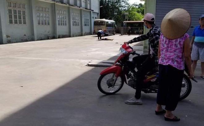 Hà Nội: Nam sinh viên tử vong sau khi cầm gà rán và bia lên tầng 9 KTX nhậu - Ảnh 1.