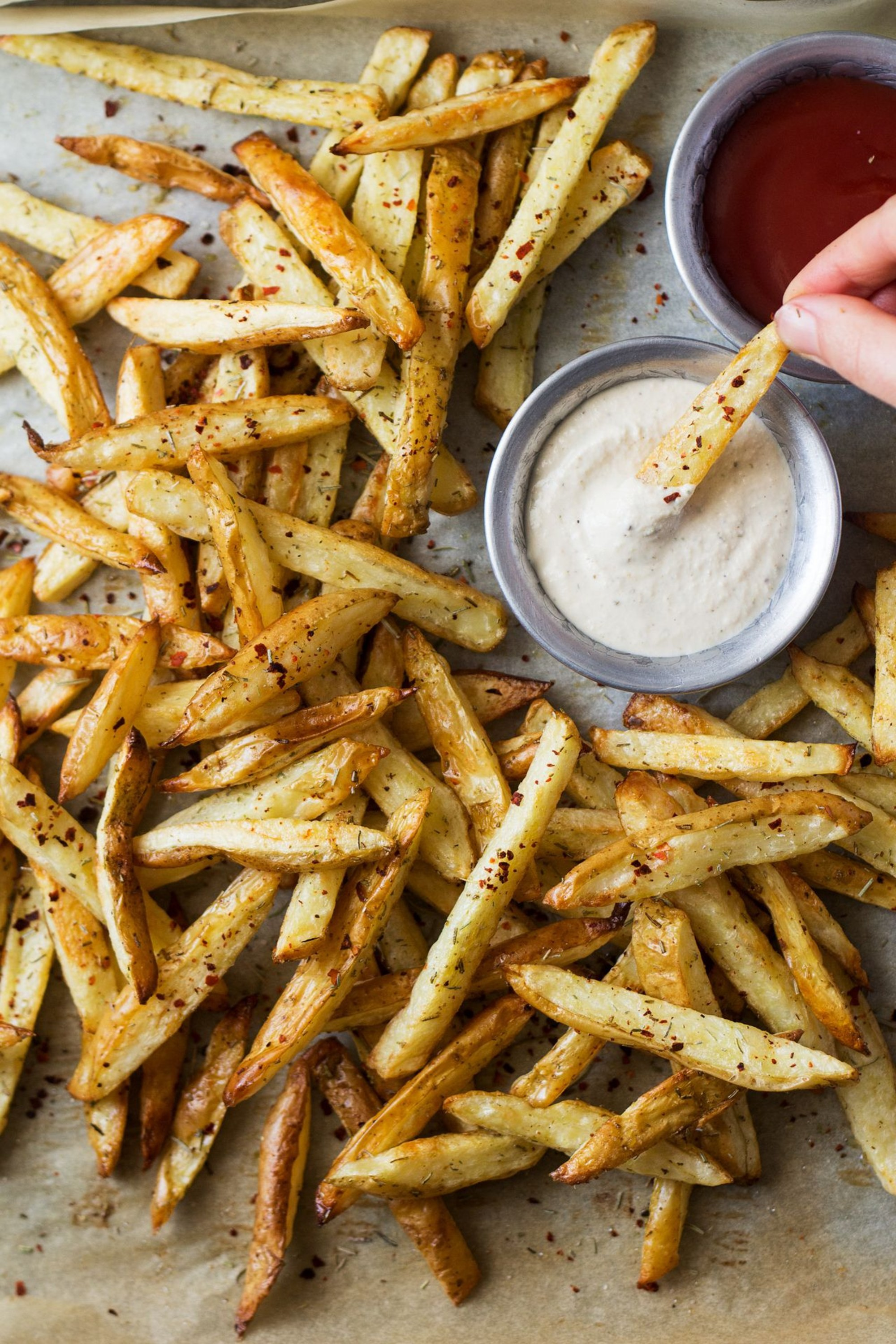yume-these-rosemary-fries-come-with-an-addictive-roasted-garlic-Ddd89f92126b78bae74516b19ecf62583
