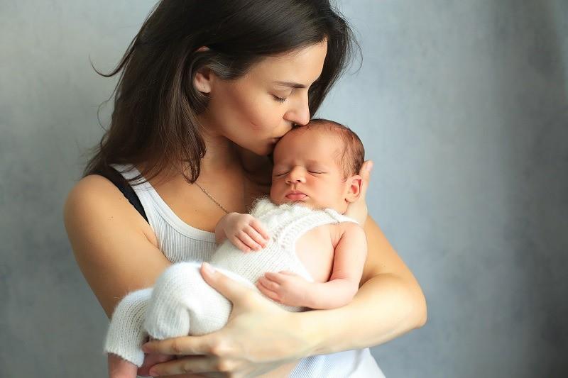 Hành trình sinh con từ tinh trùng hiến tặng của những phụ nữ chọn làm mẹ đơn thân: Một mình chống chọi mọi chông gai, vất vả khó ai thấu hiểu - Ảnh 1.