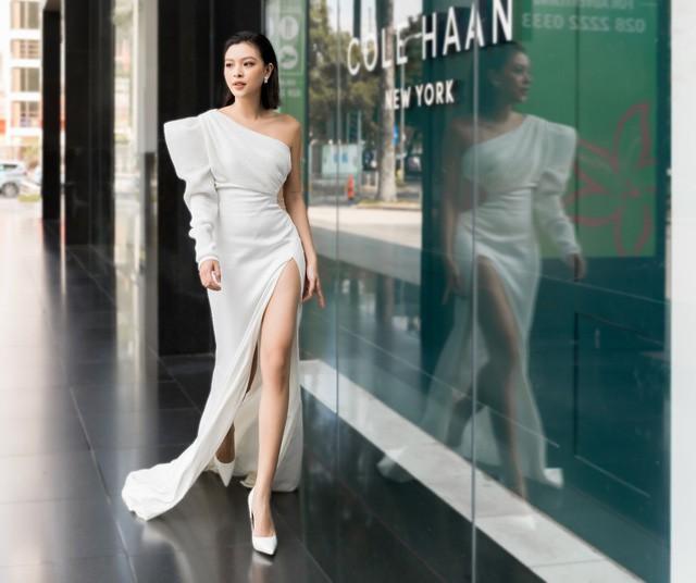 Cùng Tú Hảo, Linh Trương khám phá cách công nghệ giúp chăm sóc làn da - Ảnh 1.