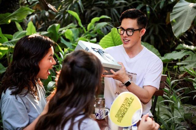 """Hết """"phá đảo"""" Sài Gòn, Châu Bùi – Khả Ngân tiếp tục """"oanh tạc"""" Hà Nội trong show thực tế City Girls - Ảnh 4."""