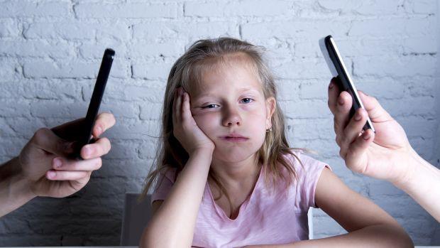 parents_ignore_kid_child